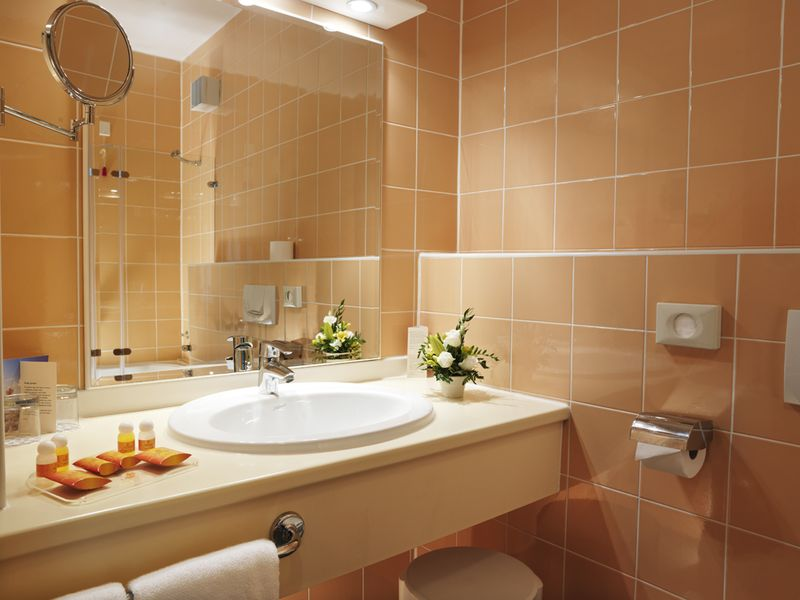Bathroom_double_room.jpg