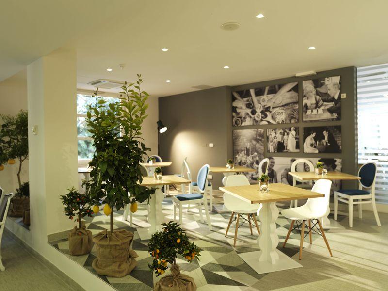 Mirna_Hotel_lobby.jpg.jpg