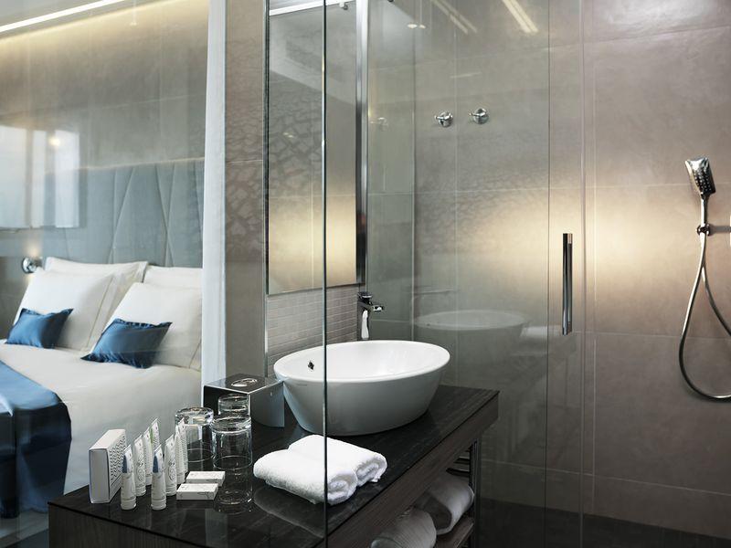 Bathroom_double_sea_view.jpg