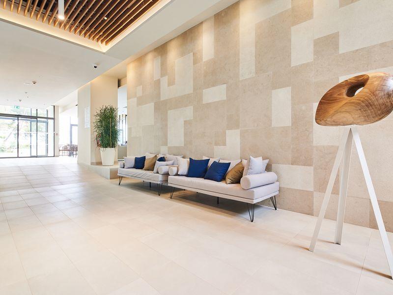 Hotel-Sol-Sipar-for-Plava-Laguna_2017_Reception_Lobby_-2-2_web.jpg