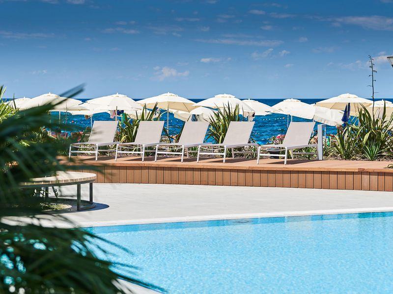 Hotel-Sol-Sipar-for-Plava-Laguna_2017_Outdoor-Pool-3_web.jpg