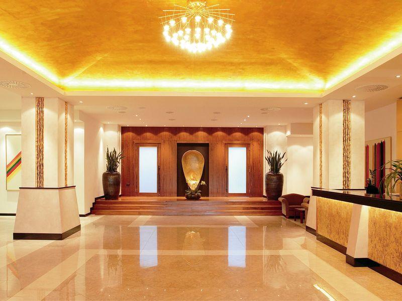 Hotel_Riviera_reception_.jpg.jpg