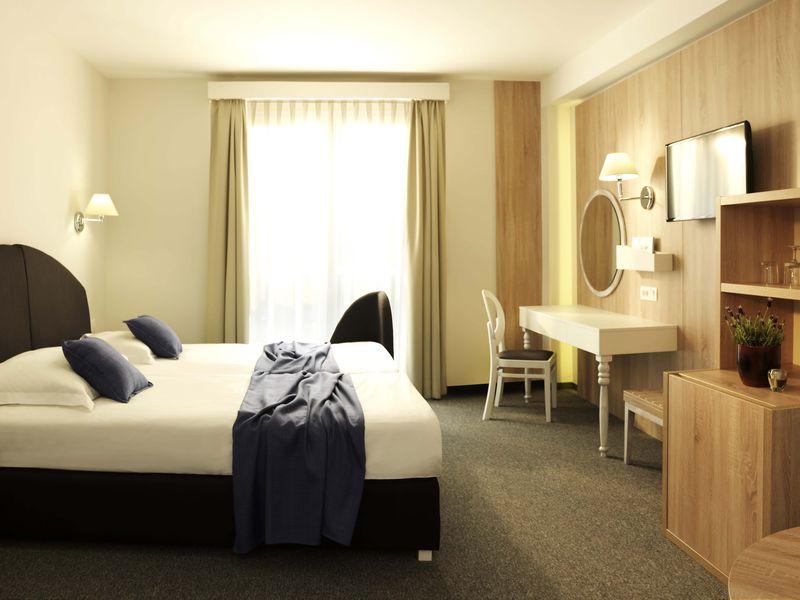 Double_room_sea_view.jpg.jpg